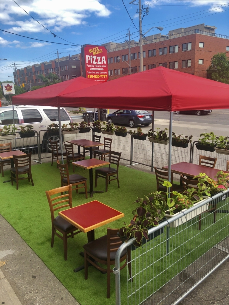 Patio at Buzz Buzz Pizza
